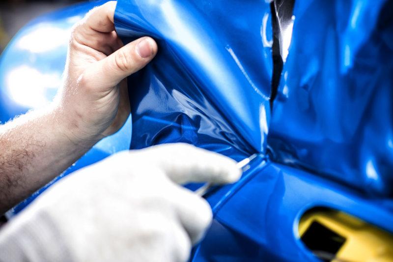 car-wrapping-autobeklebung-folienbeschriftung-fahrzeug